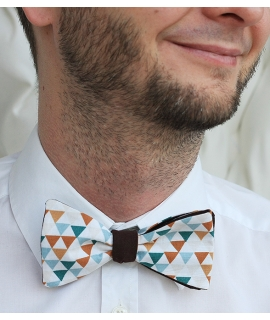 Oboustranný trojúhelníkový/hnědý